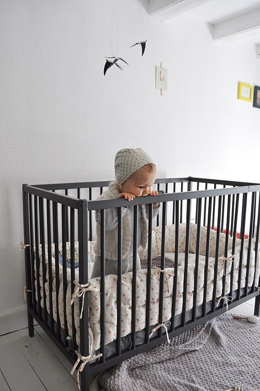 Gray baby bed good idea. much different from the black white brown i ...