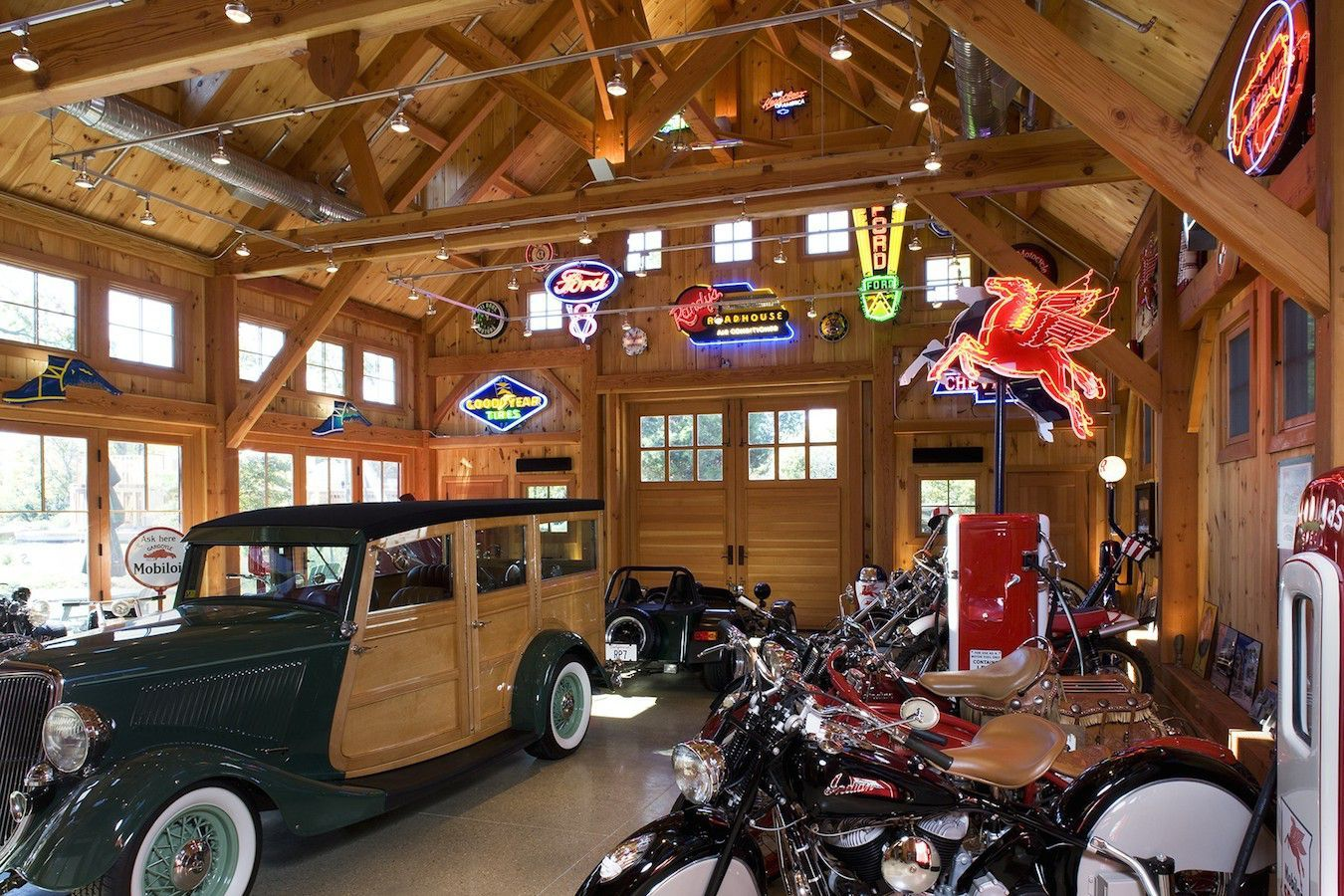 Aberdeen Creek: Interior of garage for classic car, motorcycle, and ...