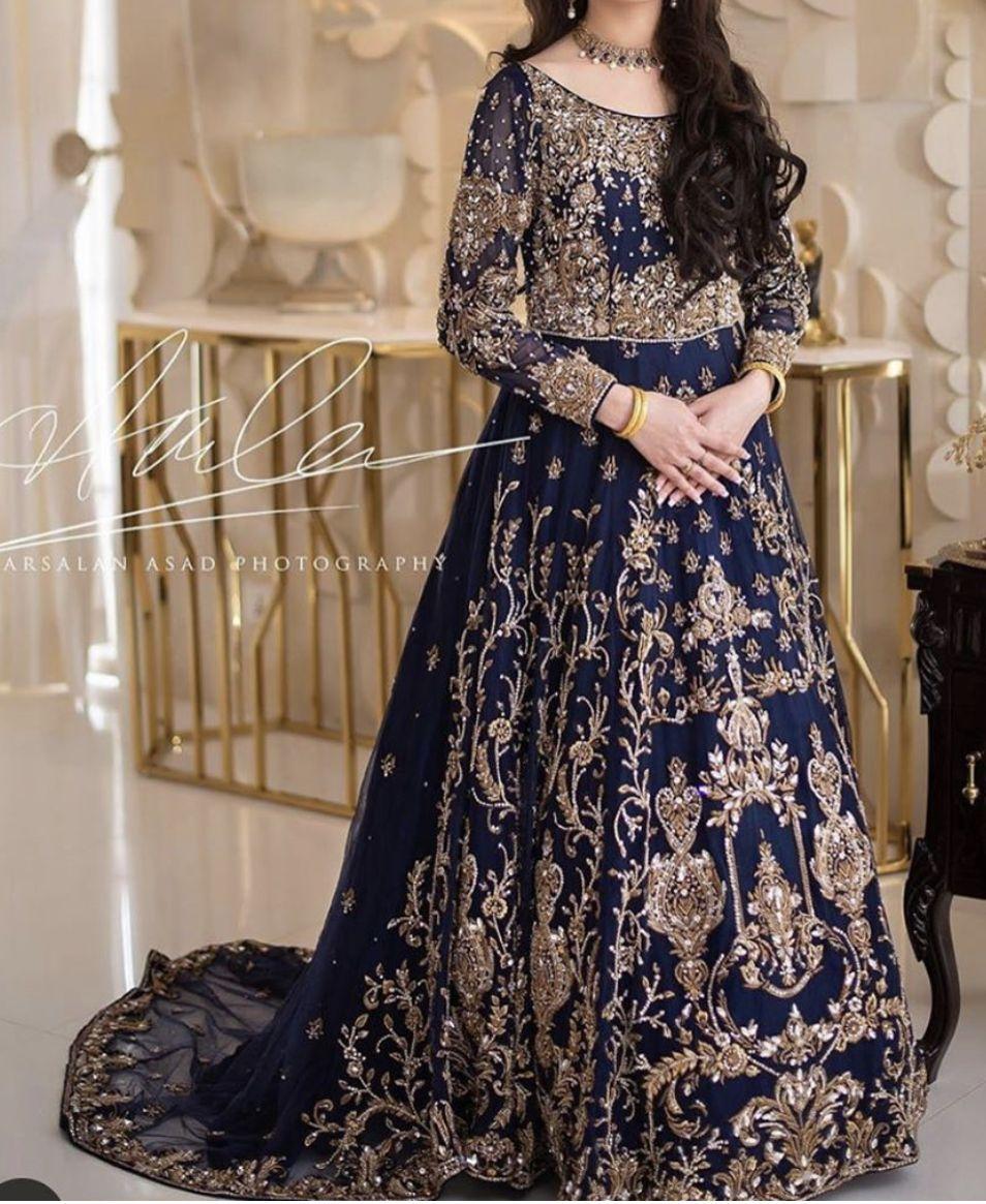 Engagement Bride Pakistani Maxi Dresses Beautiful Dresses Pakistani Wedding Outfits [ 1165 x 954 Pixel ]