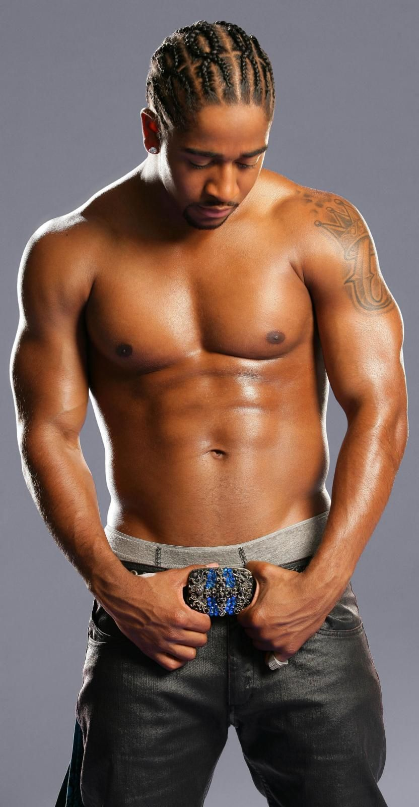 omarion abs