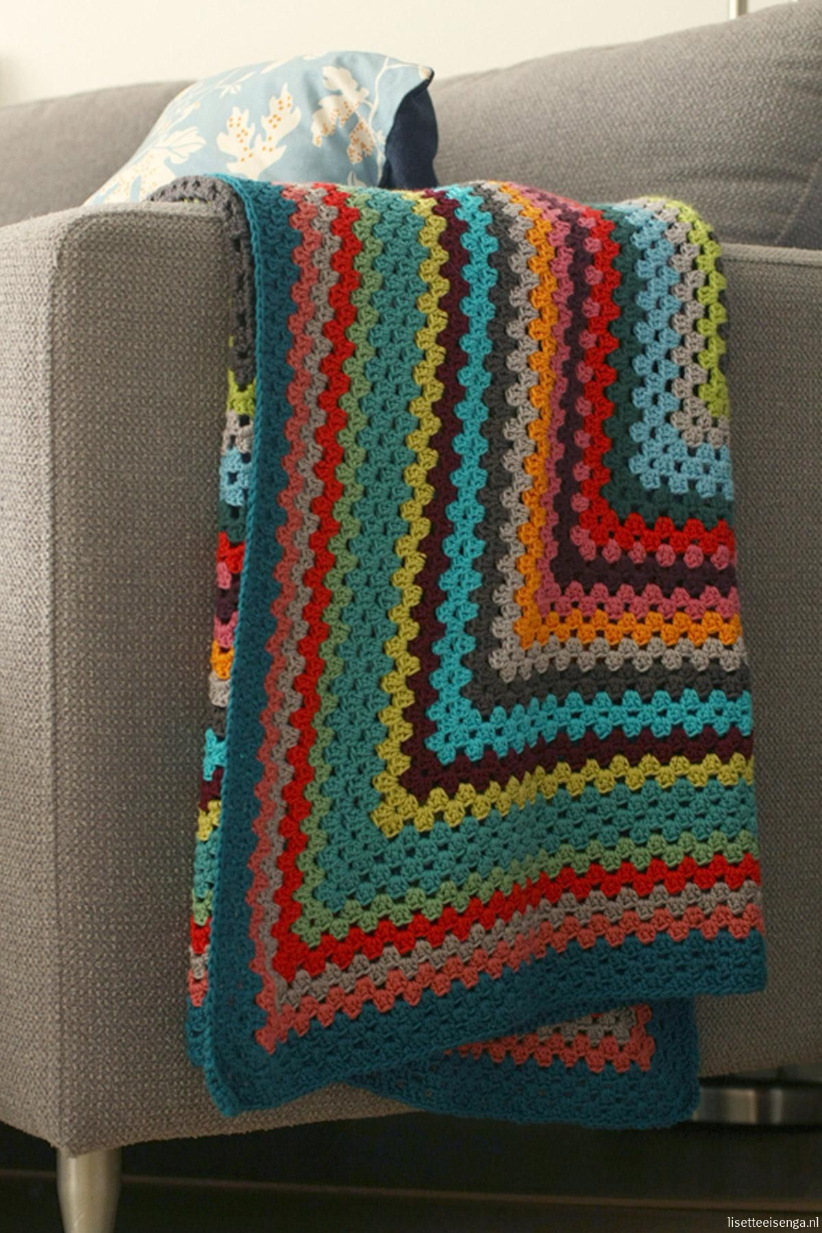 Rectangular granny blanket, free pattern by Lisette in Dutch.and ...