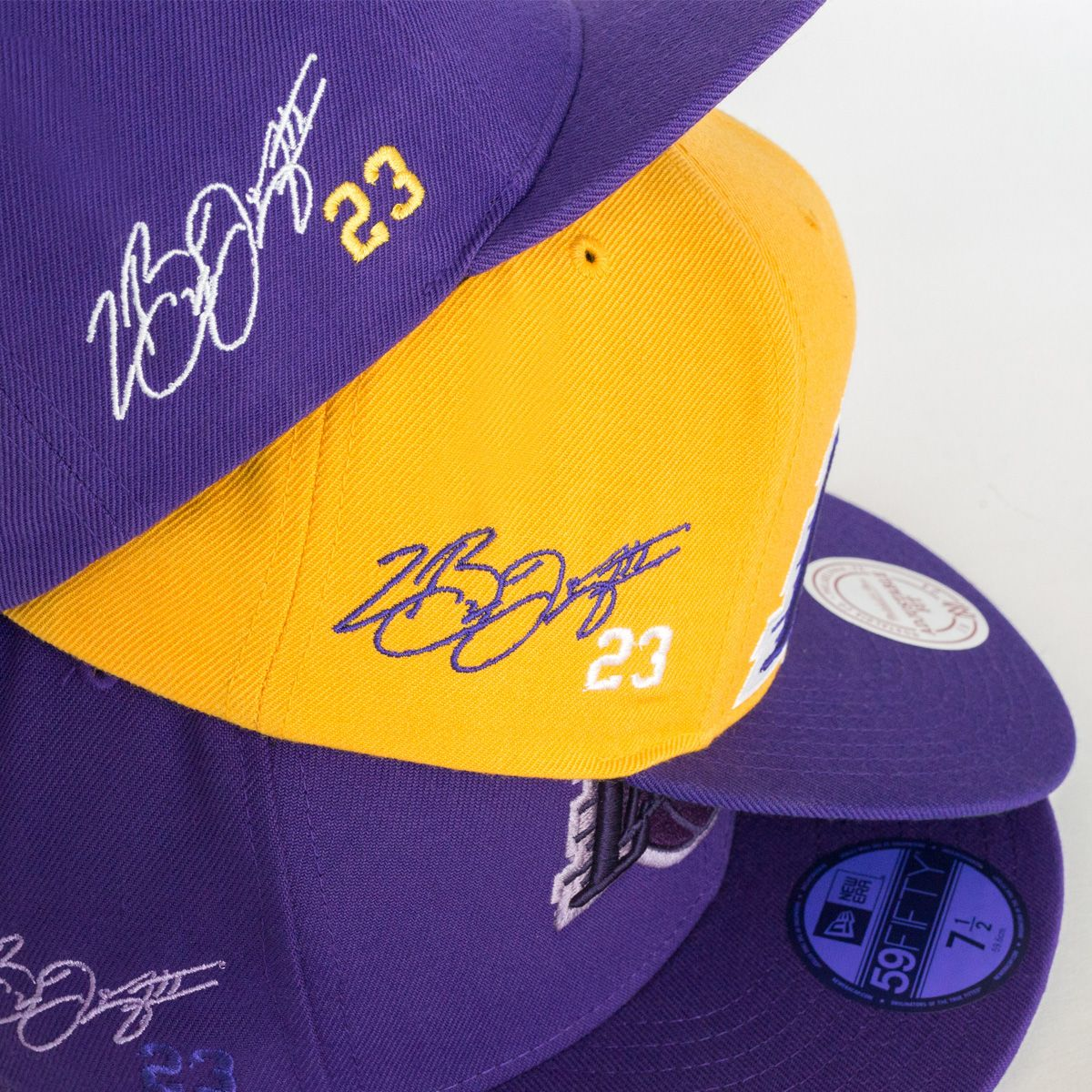 Welcome The King To The City Of La Customize Your New Lakers Hat With A Lebron James Signature At Lids Custom Zone Custom Hats Lebron James Hat Lakers Hat