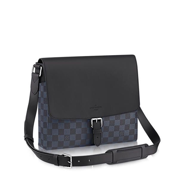 a3c878f5 LOUIS VUITTON Newport Messenger Pm. #louisvuitton #bags #shoulder ...