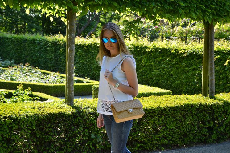 Perforated Zara top - Chanel bag - Rayban sunglasses  www.thefashionpanda.be