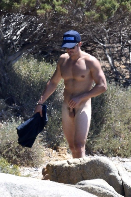 Orlando Bloom Got A Little Frisky While Paddle Boarding In -2643