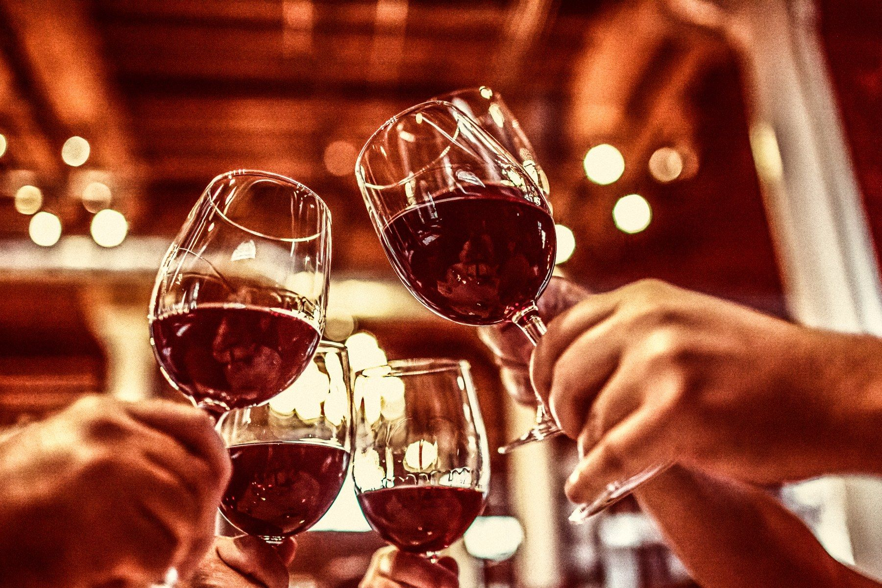 The Wines To Drink This New Year S Eve Red Wine Wine Drinks