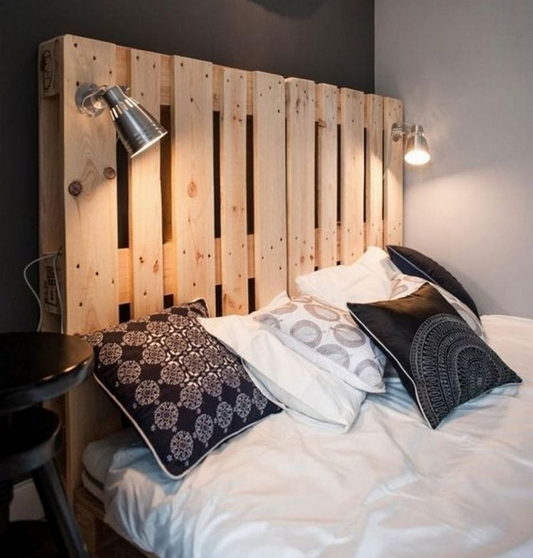 14 id es de lit palette fabriquer diy t tes de lit palettes tete de et en t te. Black Bedroom Furniture Sets. Home Design Ideas
