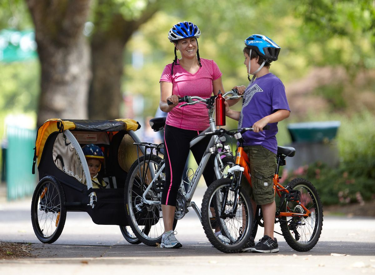 Burley Bee Child Carrier The Bee Enables Family Bike Adventures