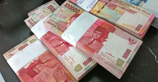 How To Do Bali On The Cheap Travelfish On Indonesia Money Cash Swag Outfits For Girls Take My Money