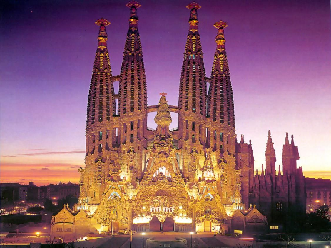 Barcelona Spain Attractions Sagrada Familia At Night Wallpaper