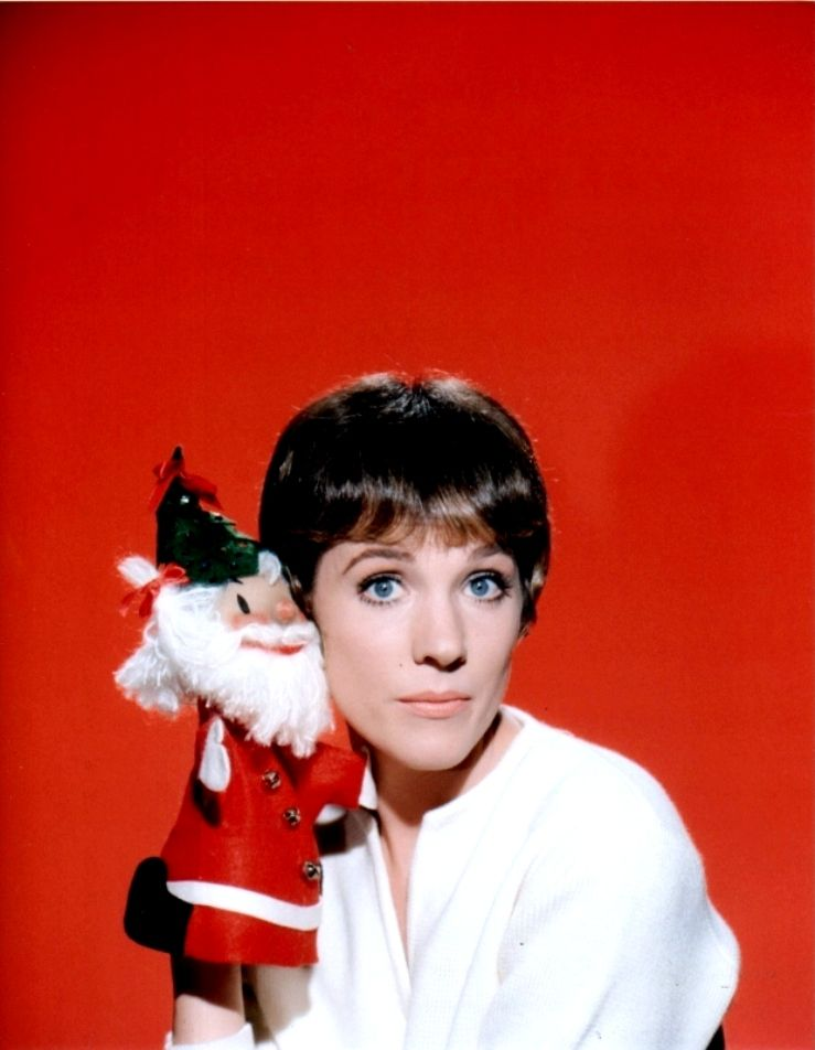 Julie Andrews lol! Doesnt this just get you into the holiday spirit ...