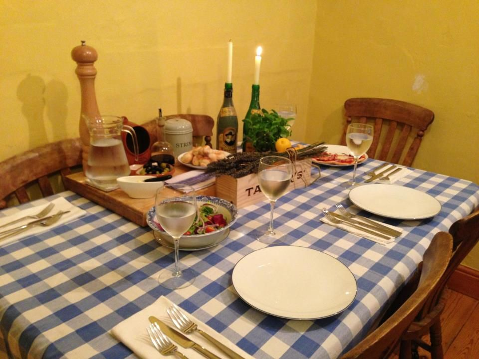 Rustic Italian Table Settings | Rustic Italian dinner party table ...