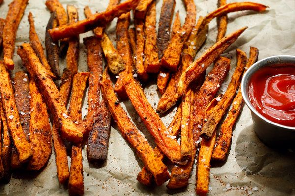 Sweet Potato Fries Addictive Seasoned From Mark Bittman Are Actually Baked But We Promise You Won Miss The Grease The Spice Mix Garlic Powder Paprika