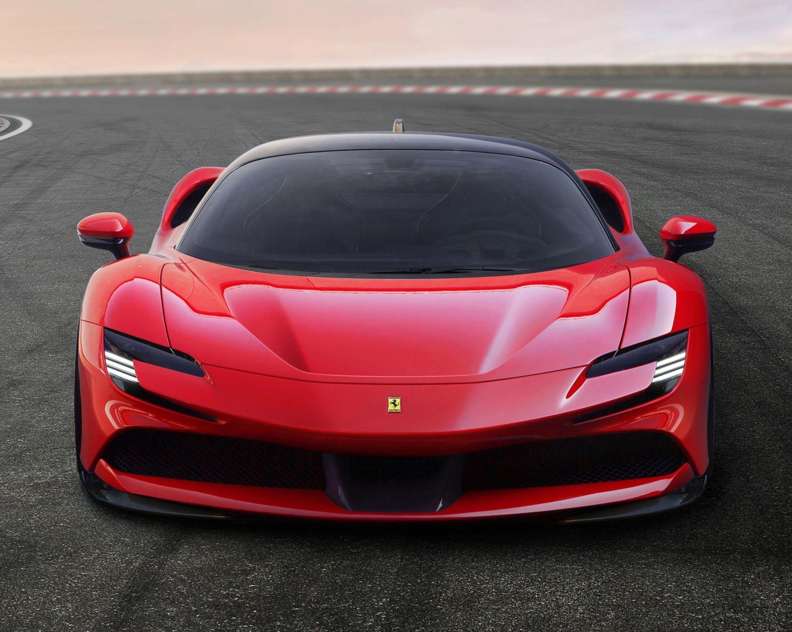Ferrari Reminds The World Why It Builds The Best Supercars Today S Example The Sf90 Stradale In 2020 New Ferrari Super Cars Hybrid Car