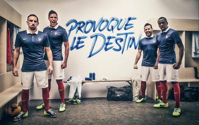 Ribéry na foto de divulgação da nova camisa da seleção francesa (Reprodução) cdbfe0bd59f9c