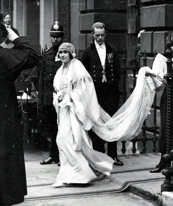 Queen Elizabeth Wedding Gown: Vintage Wedding Photos