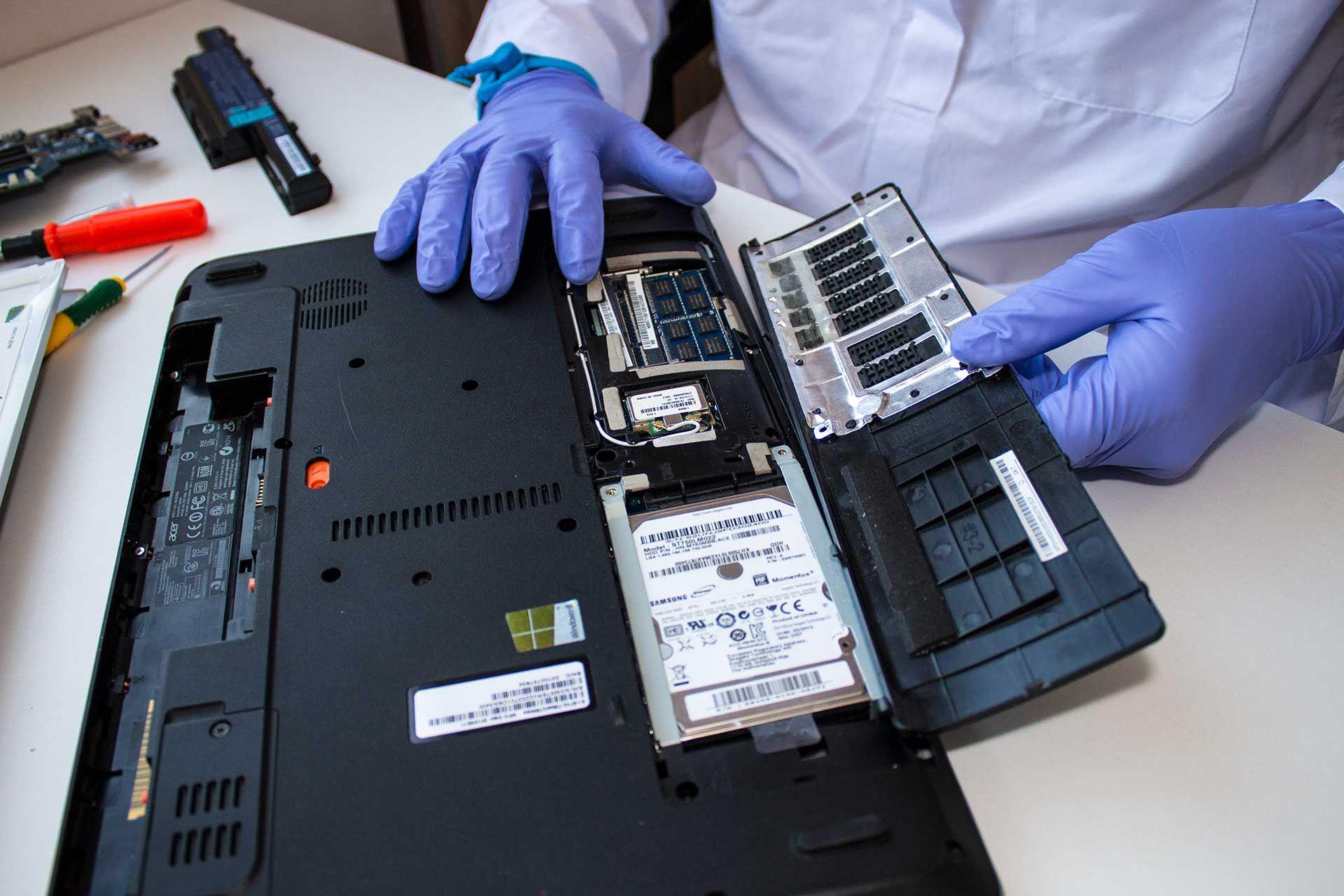 Centro Assistenza Electro World Operiamo nel settore IT da