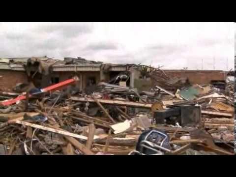 NBC - Nightly News Obama tours Moore tornado devastation - YouTube