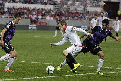 4-1. Un nuevo paso atrás del Pucela, esta vez en Sevilla http://revcyl.com/www/index.php/deportes/item/3100-4-1-un-nuevo-paso-atr%C3%A1s-del-pucela-esta-vez-en-sevilla