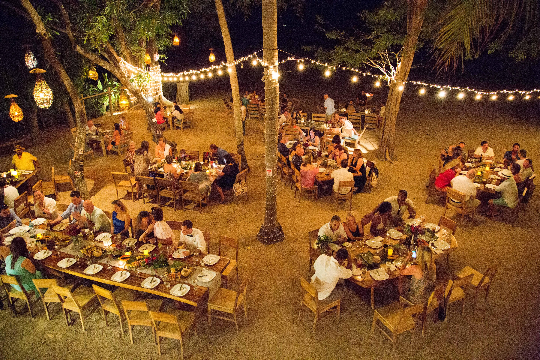 Jeni + Nick (With images)   Costa rica wedding, Boho chic wedding ...