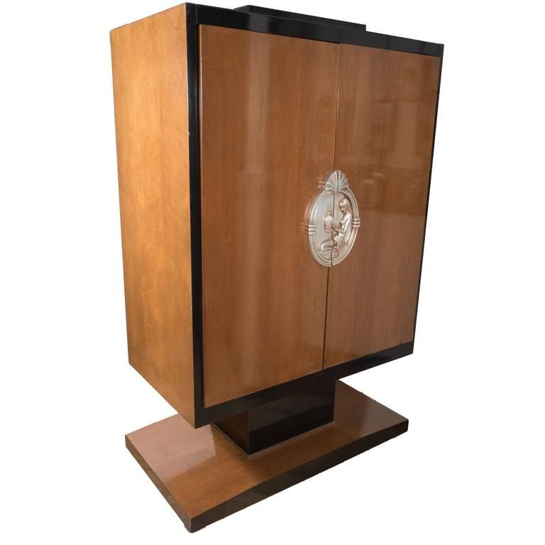 Art Deco Style Armoire in the Style of Ruhlmann in Walnut, Lacquer and Giltwood 1