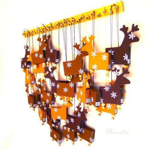 Calendari d'Advent amb rens pets amb petites capses