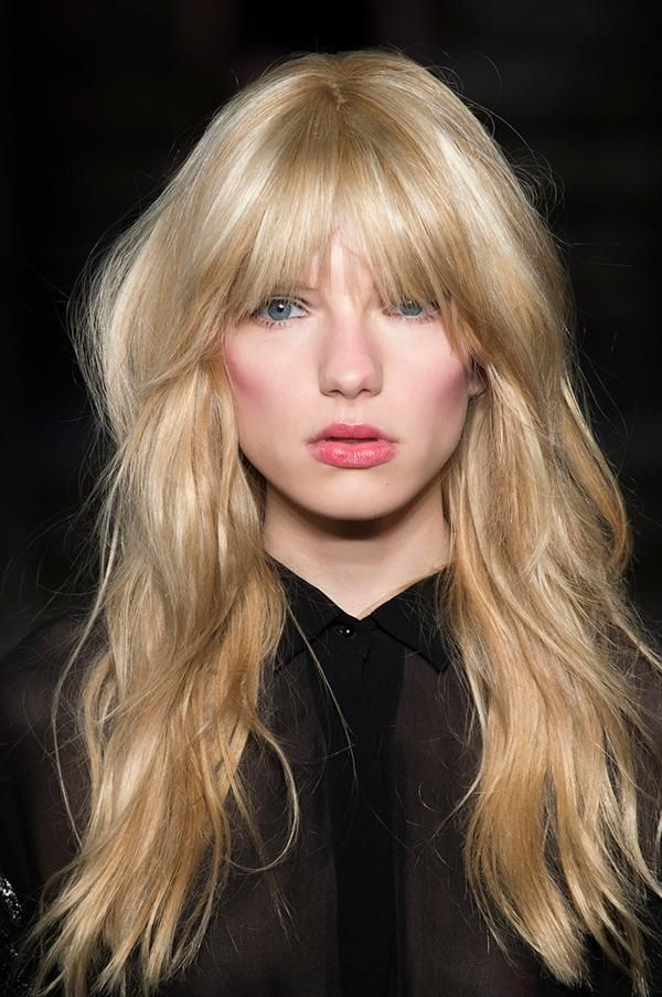 Cute Ways To Fake A Big Hair Change While Keeping Length Long Hair Styles Long Shaggy Haircuts Blonde Hair With Bangs
