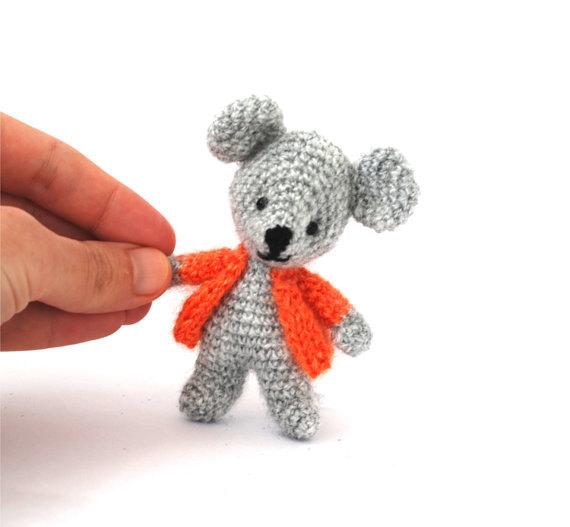 Crochet Tiny Mouse Amigurumi Free Patterns in 2020 | Maus häkeln ... | 527x570