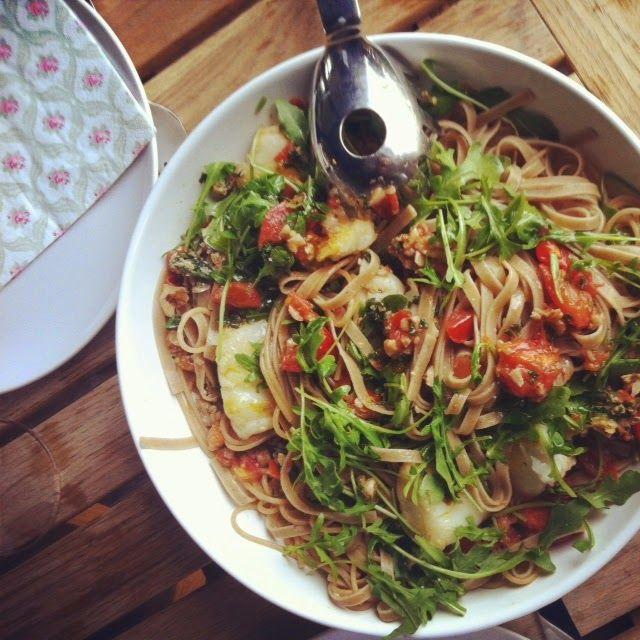 Niente di Particolare: Fast, stylish pasta with tomato and cod