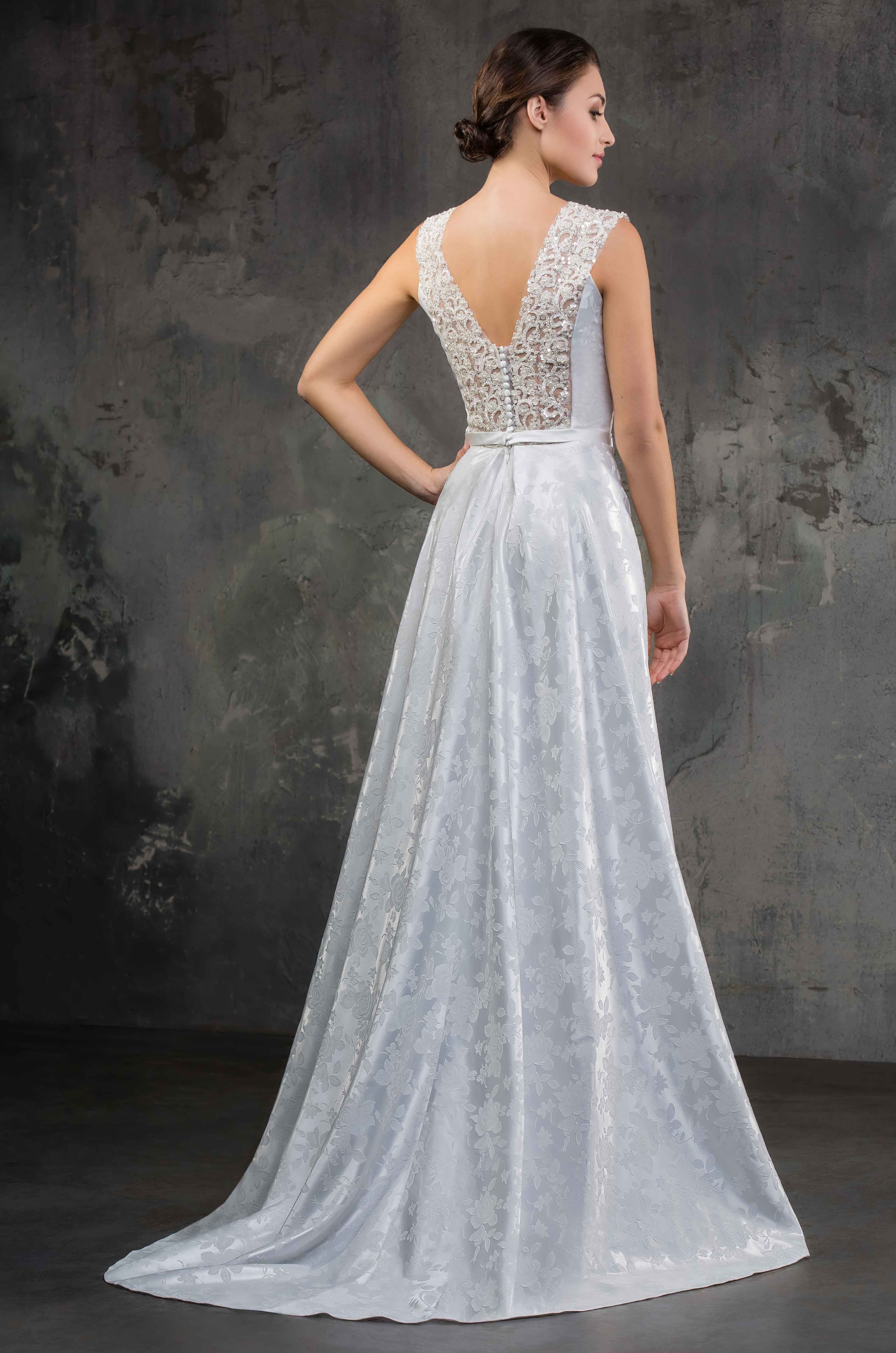 Wedding Dress With Lace Back Wedding Rustic And Boho Dress Short Shoulders Glam Fashion Bridesmai Wedding Dresses Lace Boho Dress Lace Dress [ 4928 x 3264 Pixel ]