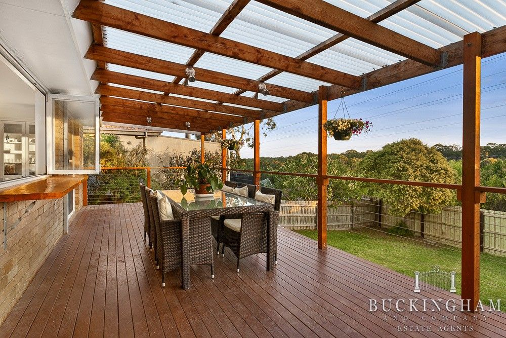Like The Serving Area From Kitchen To Outside Entertaining Pergola With Clear Cover And Wire Rail Like Natural Timber Pergola Timber Pergola Outdoor Pergola