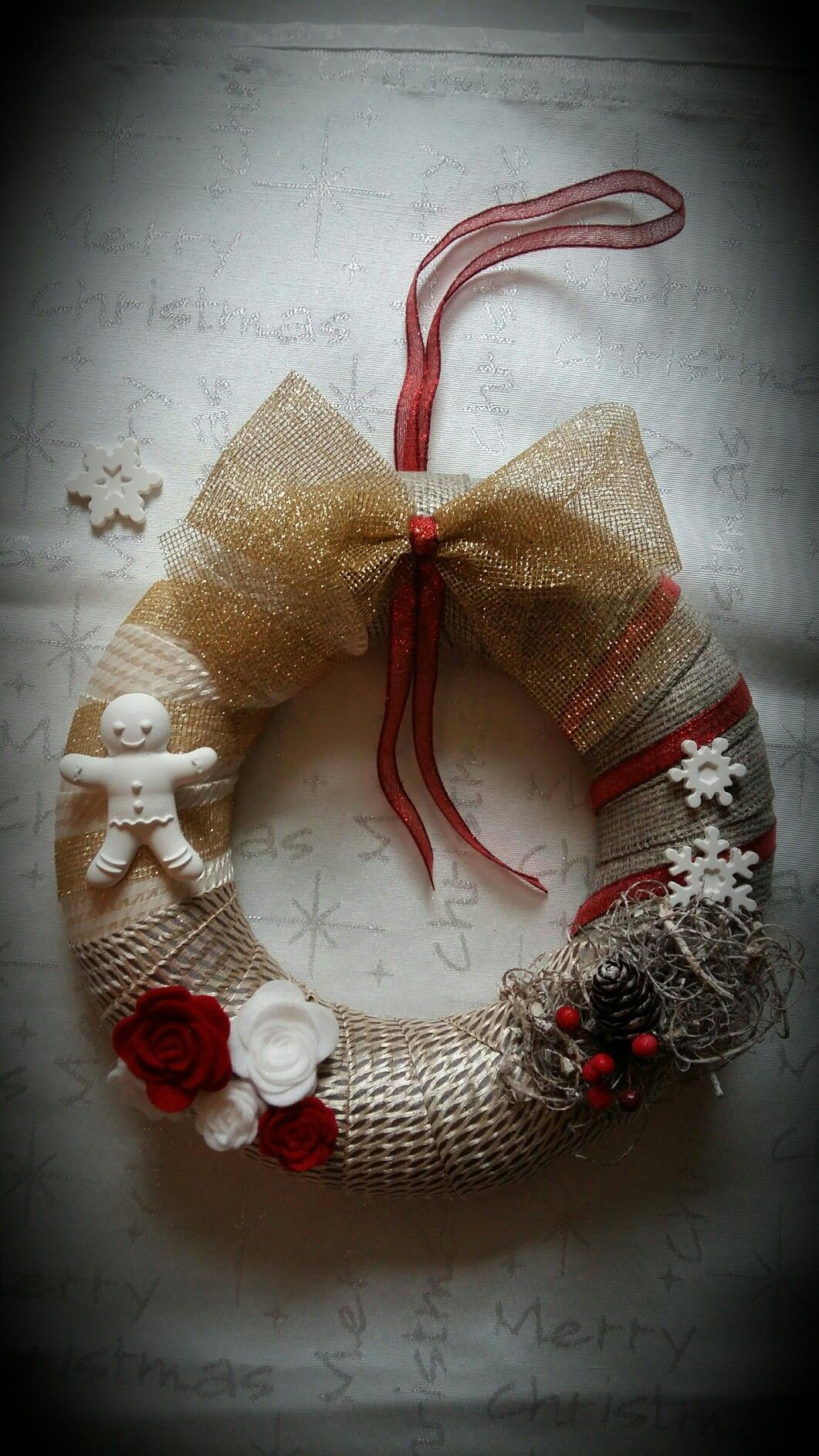 Photo of Gold Christmas wreath