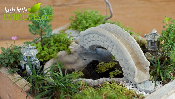 Using white and black aquarium gravel in a miniature for Little japanese garden