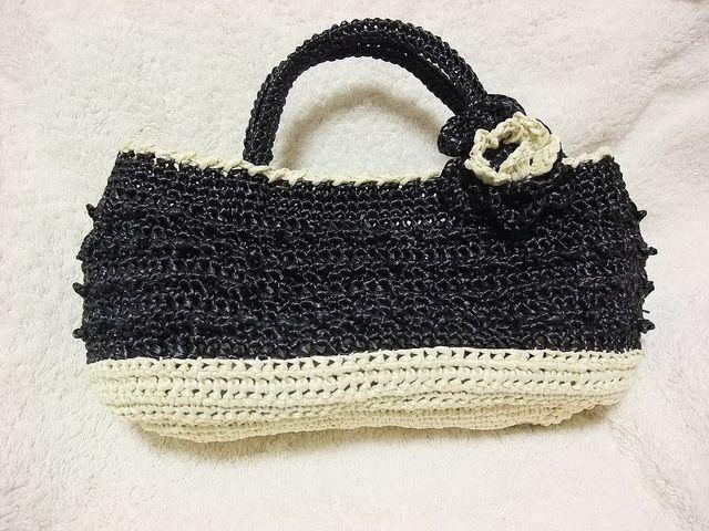 Ravelry: #24 Monotone Bag pattern by Mariko Oka (岡まり子)