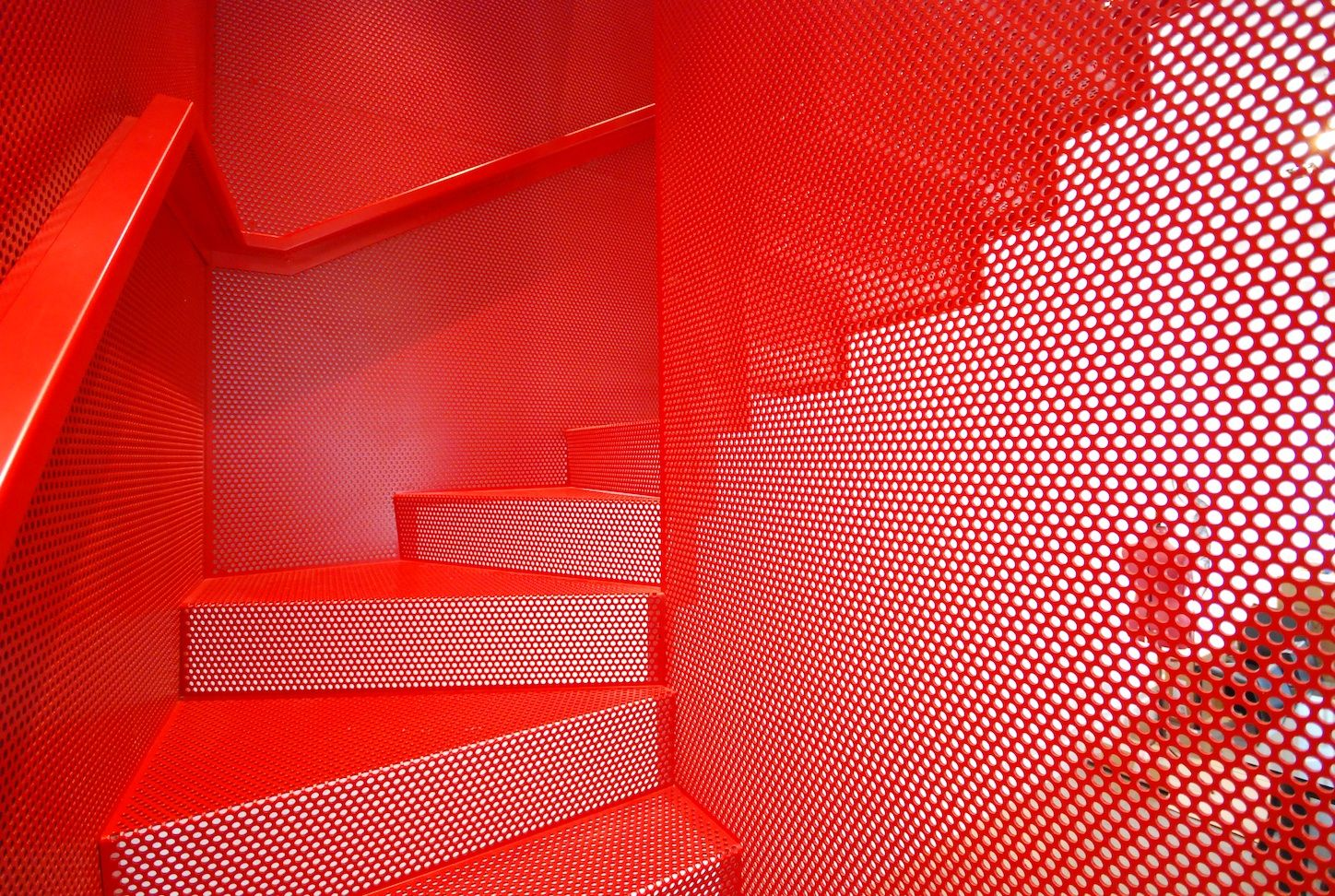 Best Red Metal Staircase With Mesh Wall By Michaelis Boyd 640 x 480