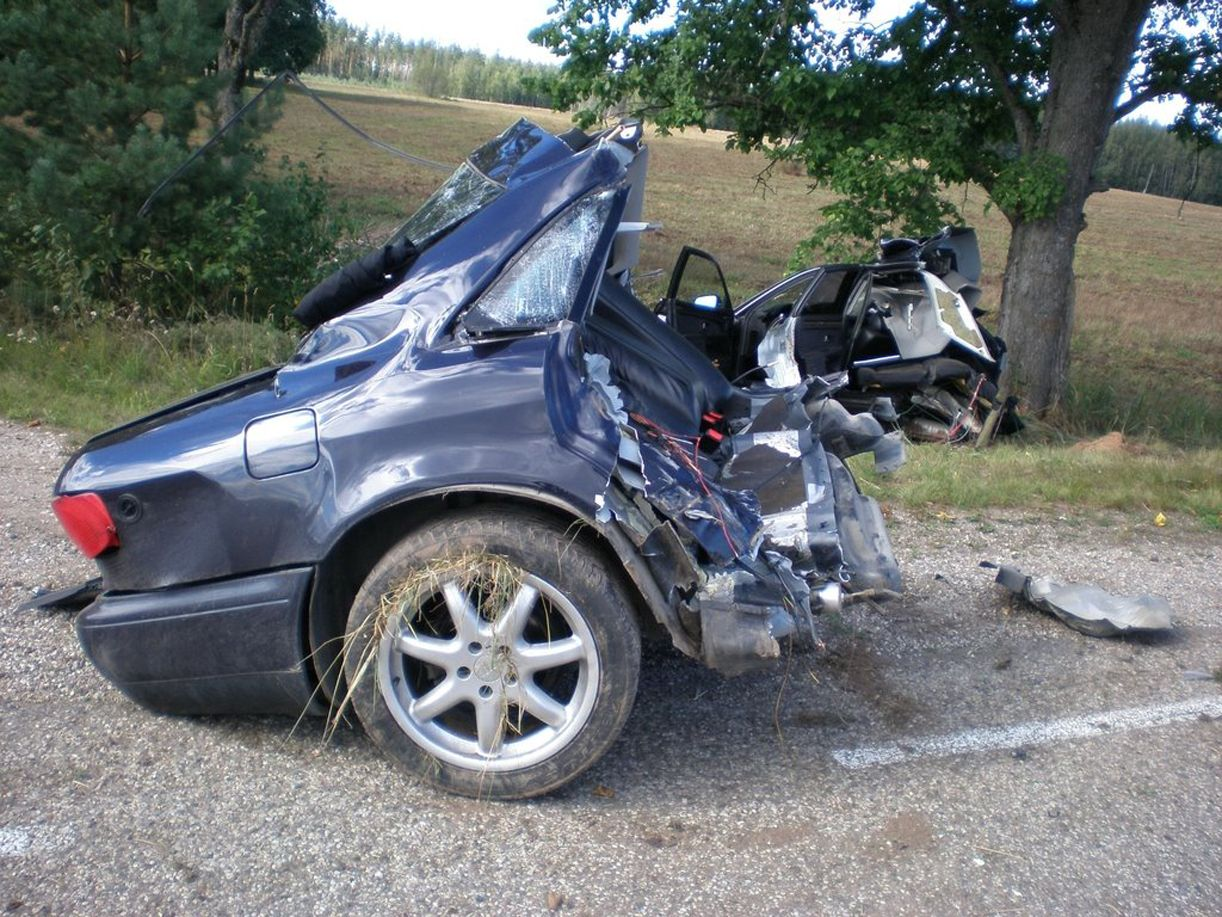 fatal car accident photos pictures of bad wrecks