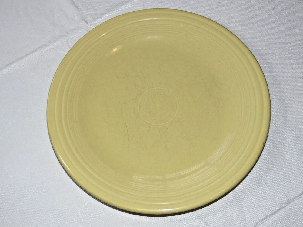 Fiesta Homer Laughlin China Co 10 1/2 inch dinner plate light yellow 1 plate & Fiesta Homer Laughlin China Co 10 1/2 inch dinner plate yellow 1 ...