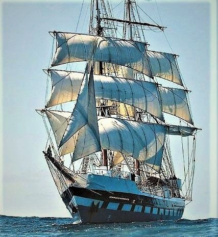 Brig Stavros S Niarchos Renamed Sunset In October 2017 Built In The Uk In 2000 As A Sail Training Ship Her Old Sailing Ships Sailing Ships Tall Ships