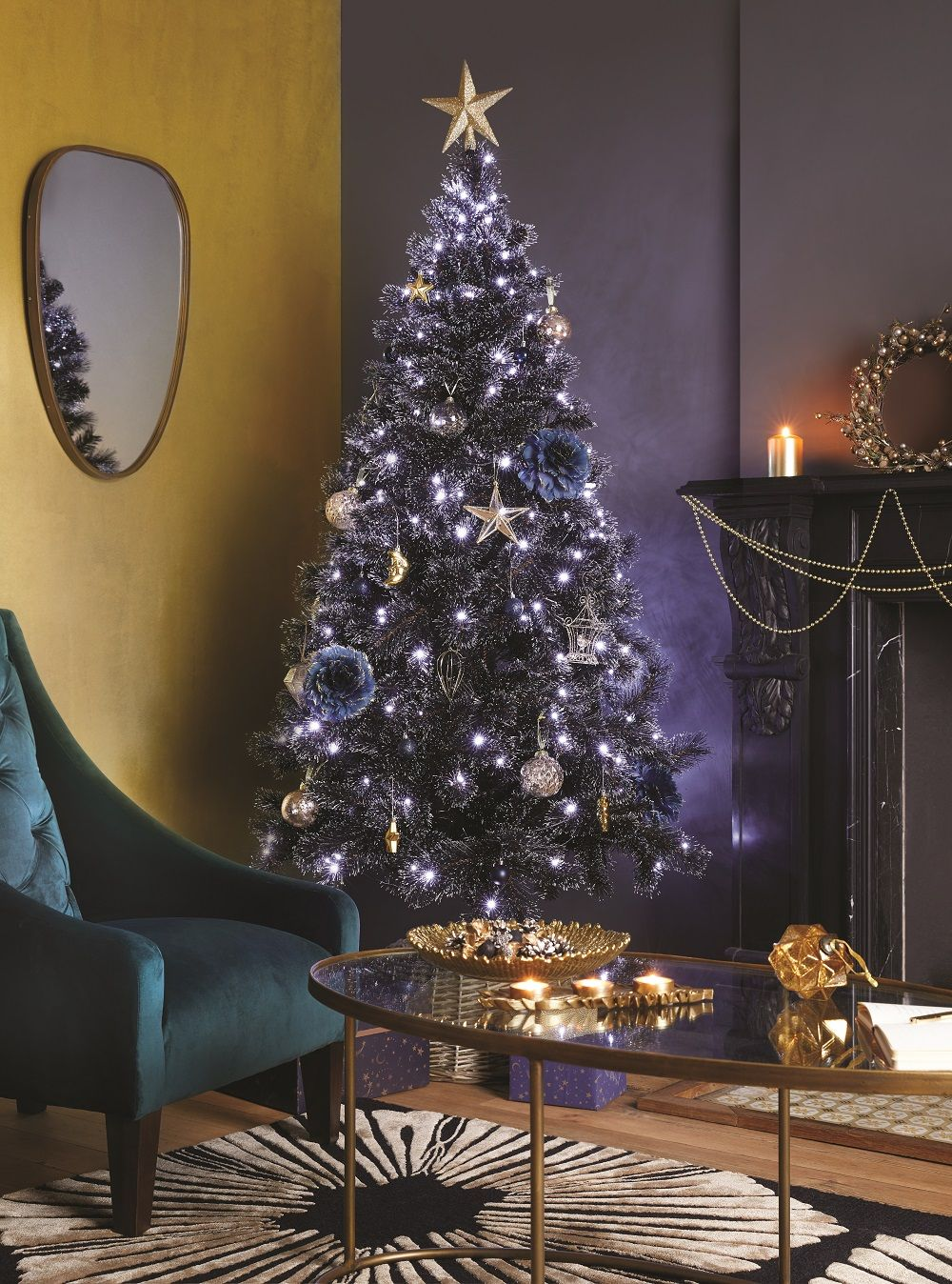 Festive Charm Inspired By Iconic Art Deco Style Holiday Decor Gold Christmas Shop Decoration