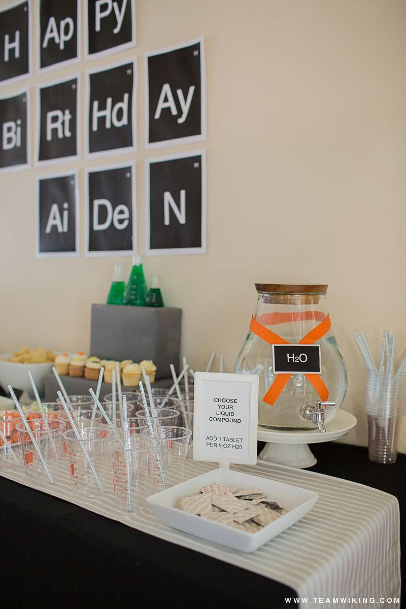 """Aiden's Science Party - Make drink """"experiment"""" with water (H2O) and fizzies tablets. #PartyToGo"""