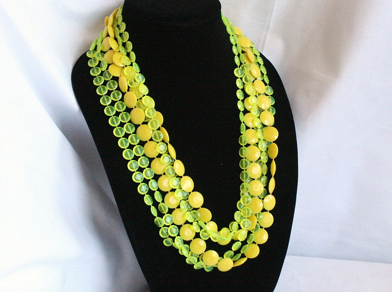 flapper style Vintage long yellow multi strand bead necklace