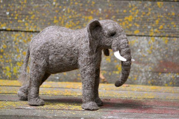 https://www.behance.net/gallery/5013191/Needle-felted-Elephant