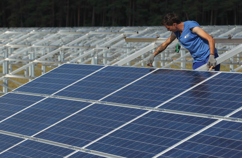 Reach For The Sun More Dc Schools Go Solar In Unheard Of Deal Solar Panel Cost Solar Panels Solar