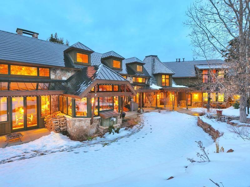 Park City Ski Lodge Perfect For Incoming Family Asks 5 5m Park City Ut Park City Skiing Park City