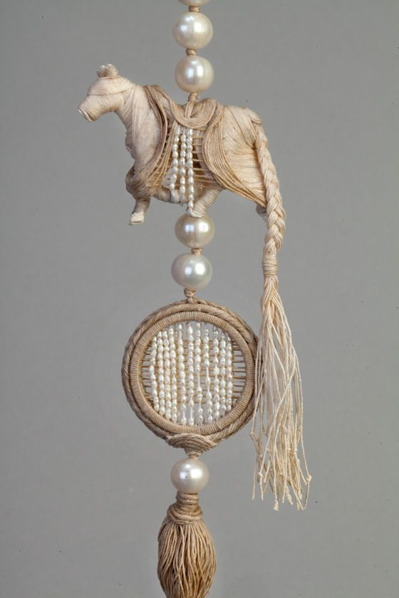 An outstanding combination of beads and macrame! ...definitely a Wow! אשרי הגפרור « reDesign ...Big nod to creative embellisher Cindy Chavez of FreeFormInspirations.com  for pointing me to this one.