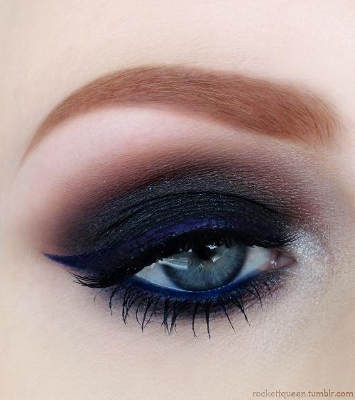 Smokey eye. Blue eyes makeup.