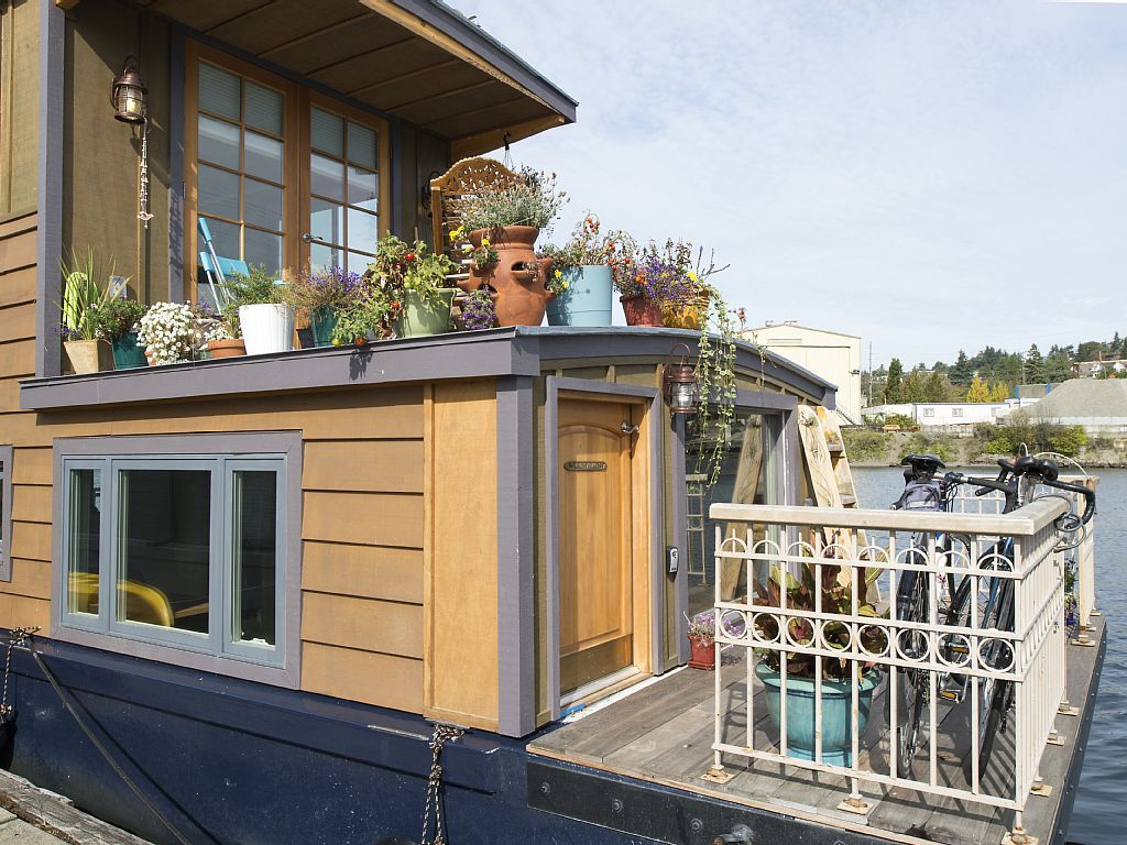 House Boat Vacation Rental In Seattle The Wild Life