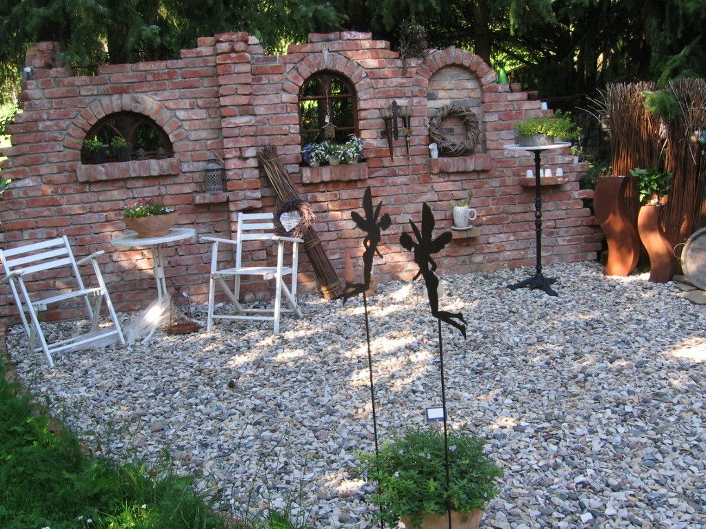 Mein Mann ist Bob, der Baumeister... alles was bei uns im Garten gebaut wird, ist von meinem Mann gemacht worden. Ob es die Gartenwege sind oder der Teich, alles in Handarbeit und nebenbei gemacht.... #backyardoasis