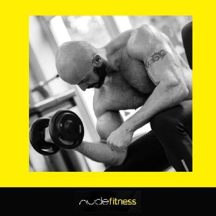 Registre o seu momento Fitness Já se imaginou em um ensaio fotográfico esportivo? Esta é a proposta da NUDE Fitness, a oportunidade de ter o seu corpo valorizado em fotos profissionais realizadas no seu ambiente esportivo preferido.