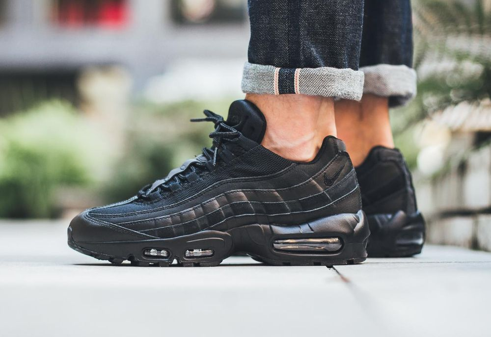 Nike Air Max 95 Essential Noir 'Triple Black' 2016 Hot  Hot